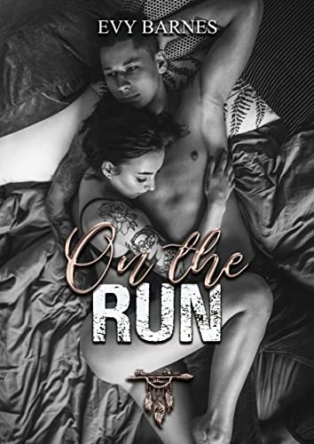 On the Run: Fugitive Life in an American City (Fieldwork Encounters and Discoveries) By Alice Goffman