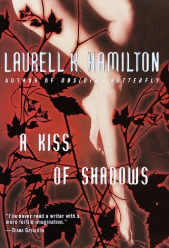 A Kiss of Shadows (Meredith Gentry Novels)