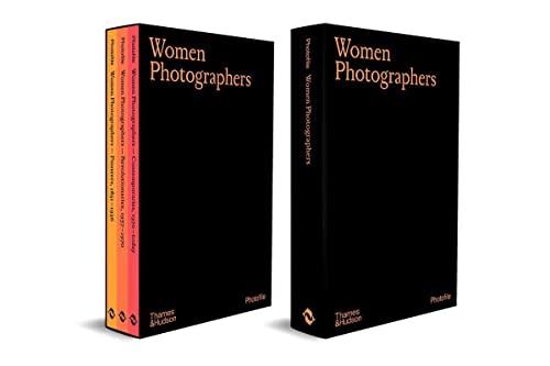 Women Photographers (Slipcased set) By Clara Bouveresse