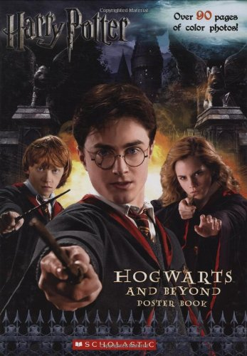 Harry Potter Hogwarts and Beyond Poster Book von Scholastic Inc