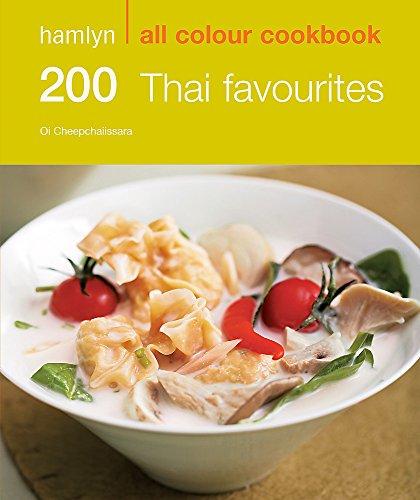 200 Thai Favourites by Oi Cheepchaiissara