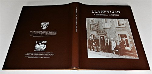 Llanfyllin By Richard Kretchmer