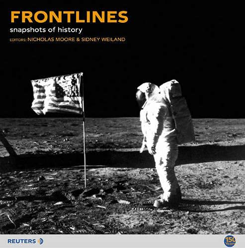 Frontlines: Snapshots of History by Nick Moore