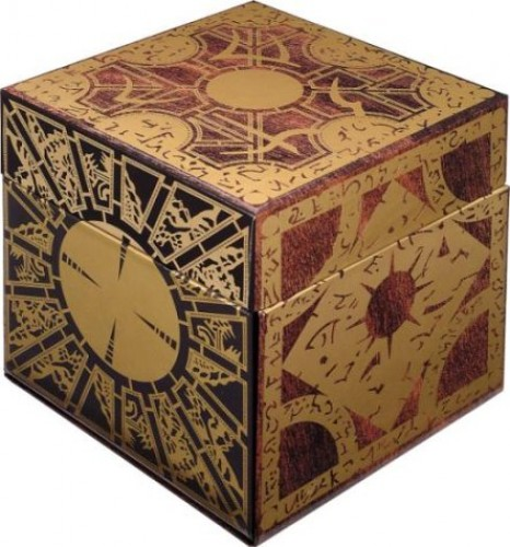 Hellraiser Limited Edition Puzzle Box Set  (1987)